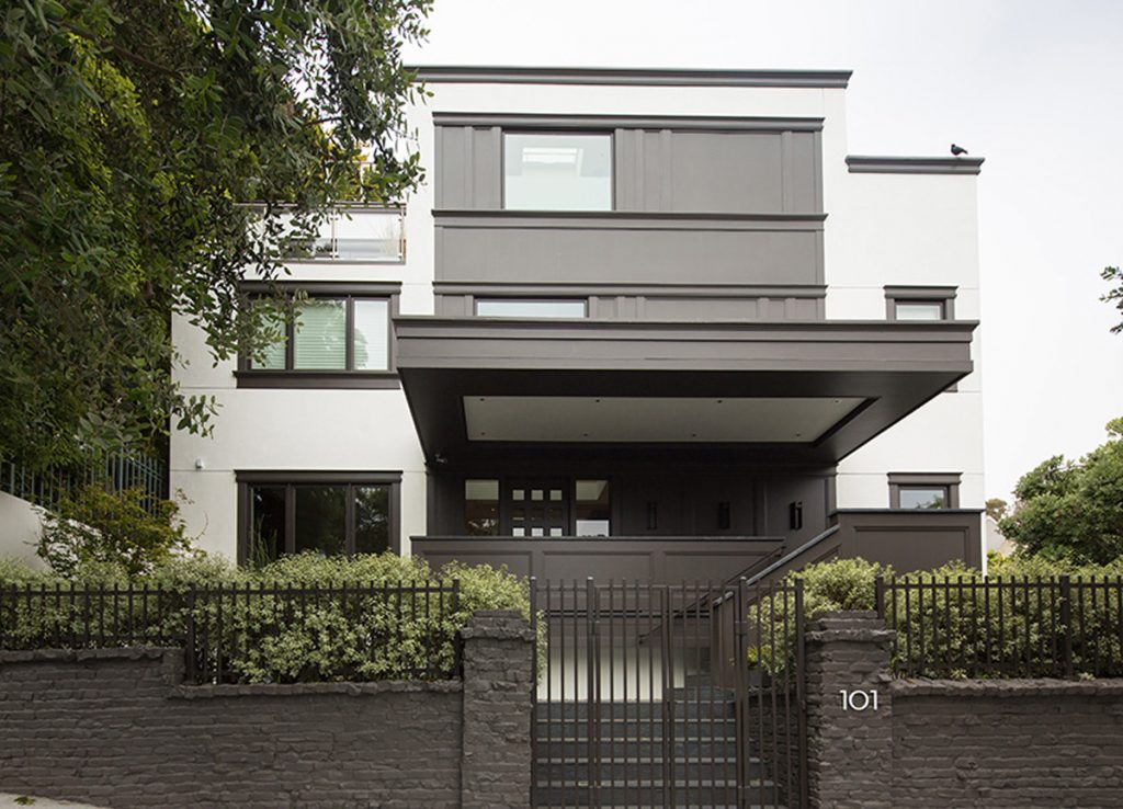 The contemporary home at 101 Maple proved to be more desirable.